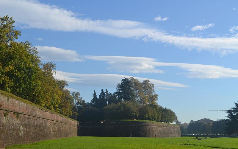 Lucca e le sue mura, le sue chiese